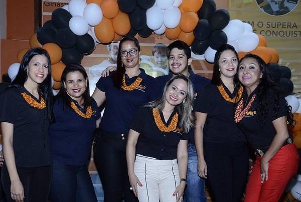 Alessandra Trentino e sua equipe na unidade inaugurada em Lucas do Rio Verde