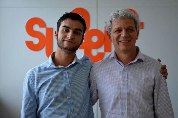 Antônio Carlos Perpétuo, fundador do SUPERA, e seu filho Vinícius Perpétuo, hoje com 21 anos