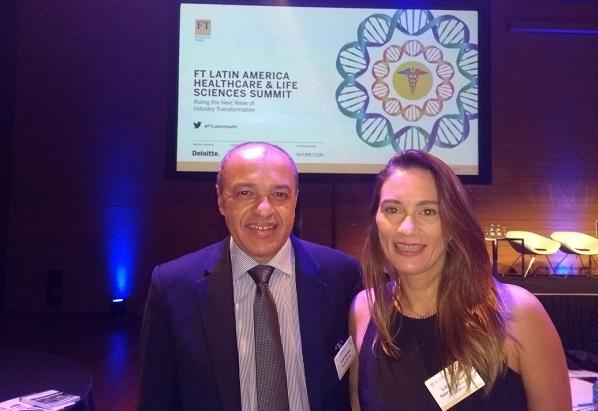 Luiz Moraes, Diretor do SUPERA Online, e Letícia Maciel, Gerente de Comunicação da marca