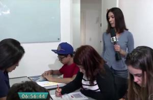 Repórter da TV Globo em gravação na Franquia de Curso de Pirituba, em São Paulo