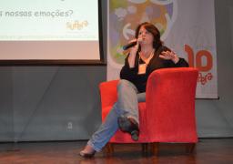 Mariana Cenci, dona da Franquia de Curso no Continente, em Florianópolis, realiza palestra na Semana Mundial do Cérebro