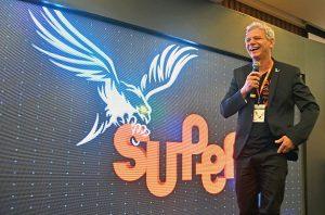 Presidente fundador da rede de Franquias de Sucesso, Antônio Carlos Perpétuo, dá sua palavra em Convenção Nacional da marca