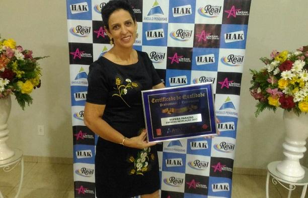 A empreendedora Leila Jesus recebe prêmio de Empresa Revelação pelas franquias de sucesso do SUPERA inauguradas em Paraíso do Tocantins