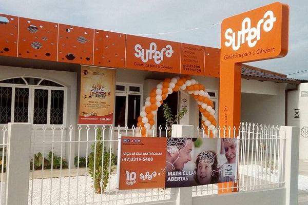 A unidade SUPERA Navegantes pronta para receber seus alunos, integrando a rede de franquias em expansão mais promissora do Brasil