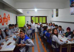 Alunos exercitam o cérebro na aula com ábaco em Peruíbe (SP)