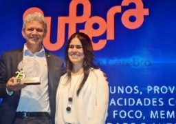 Antonio Carlos Guarini Perpetuo, da Franquia Supera, recebe prêmio TOP 25 do Franchising Grupo Bittencourt