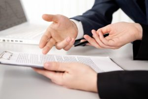 Ao montar negócio próprio com franquias, os documentos podem confundir novos empreendedores