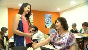 Repórter da Rede Bahia interage com aluna SUPERA